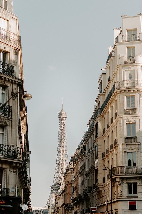 Eiffel Tower photo shoot