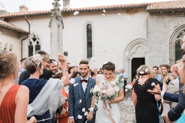 confetti moment summer wedding
