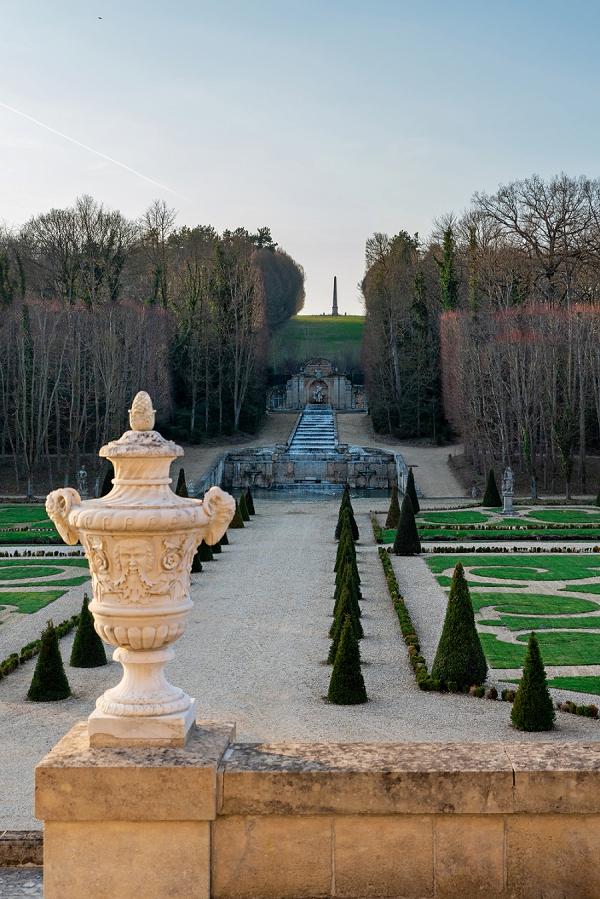 luxury chateau wedding inspiration