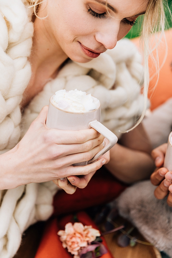 hot chocolate wedding drinks