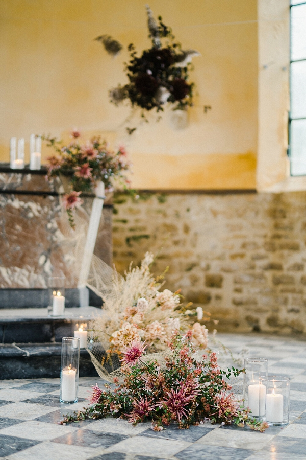 wild wedding florals