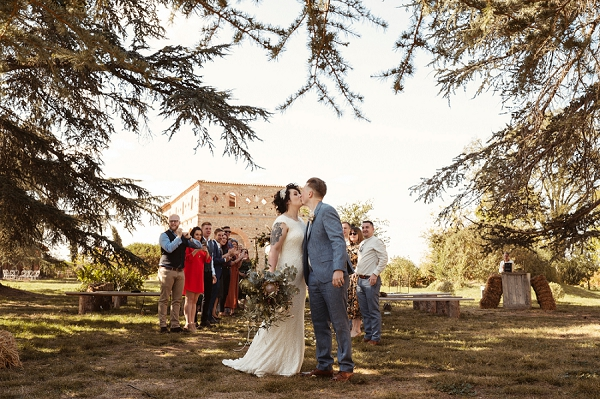 Intimate autumnal wedding in South West France