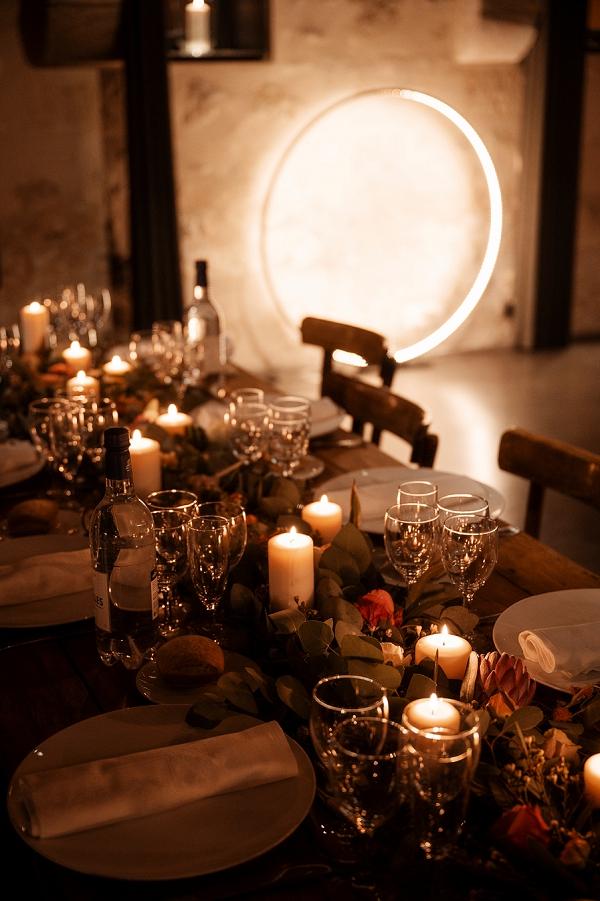 candlelit wedding dinner