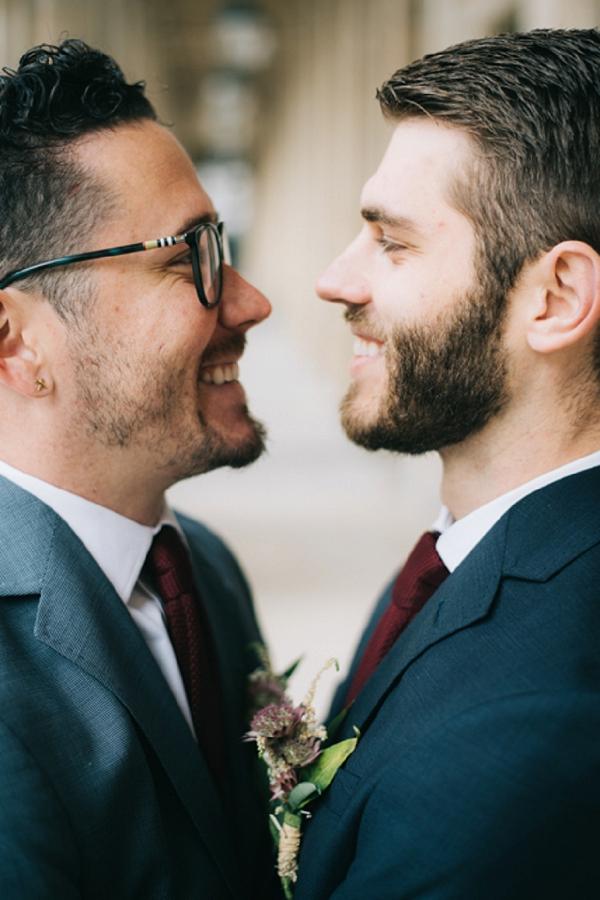 romantic wedding photos in paris