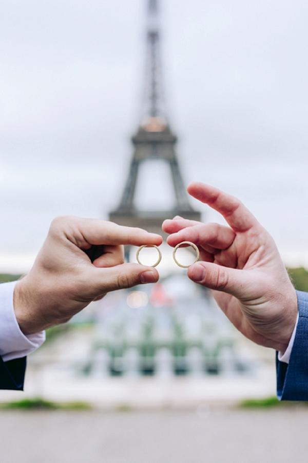 wedding ring shot paris