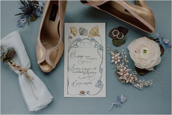 gold and baby blue wedding stationery in France