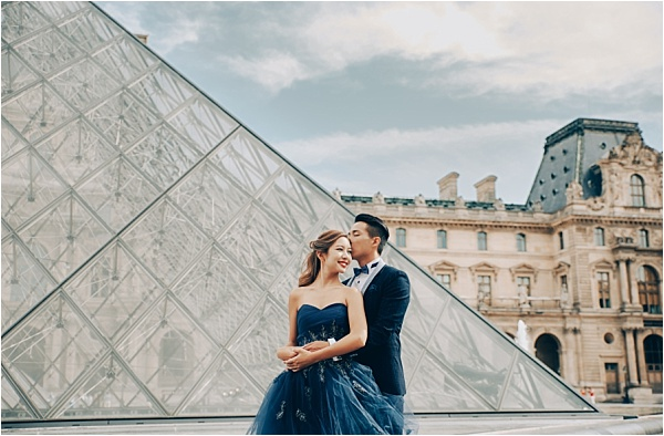Musee Louvre Engagement Shoot