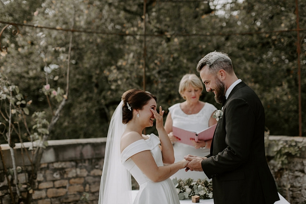couple Elope in France to a dream French castle