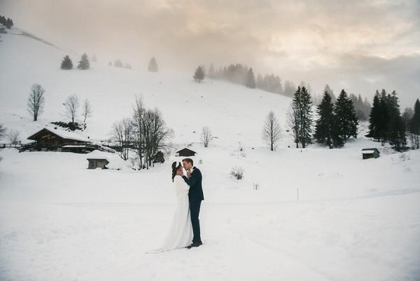 romantic Snowy winter wedding in Alps