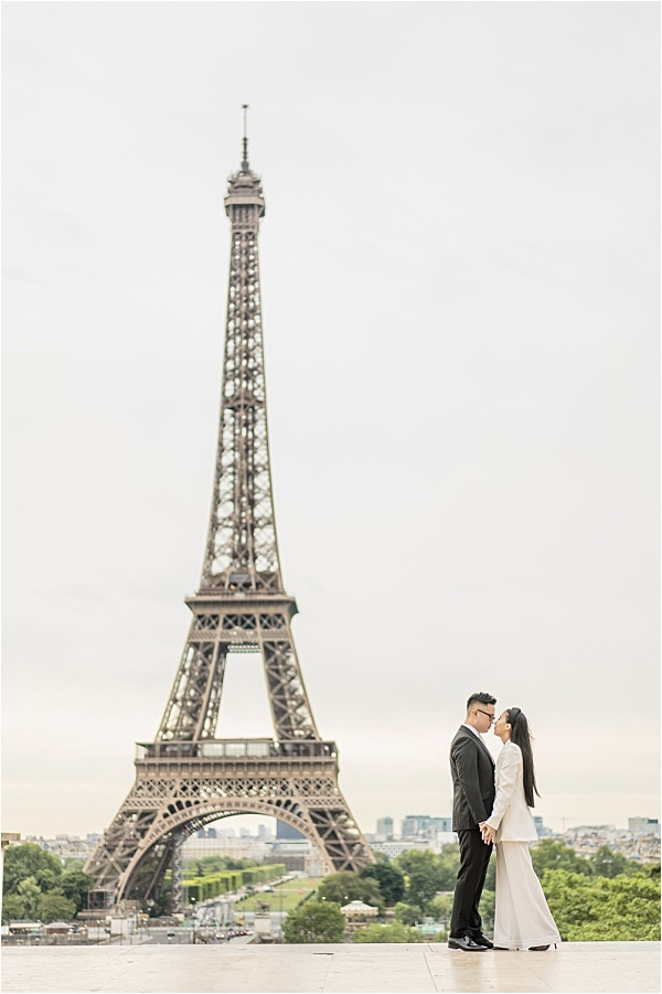 Photoshoot at the Eiffel tower