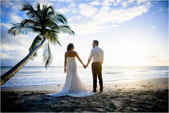 beach wedding on Martinique France | Image by Malmoth Photography