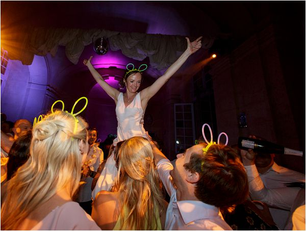 epic bride who loves to rave | Image by Charlie Davies Photography