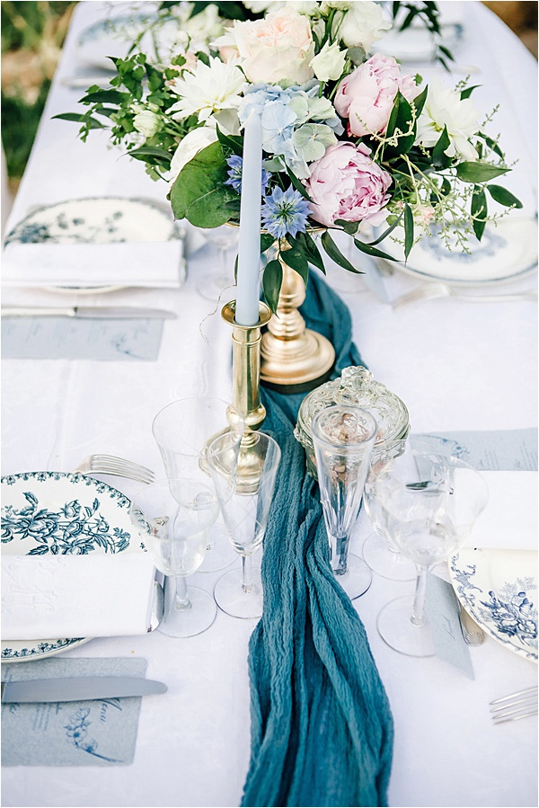 Charming Montpellier Wedding Tablesetting