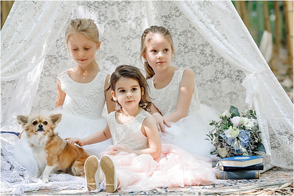 Little bridesmaids and the mascot Kruger