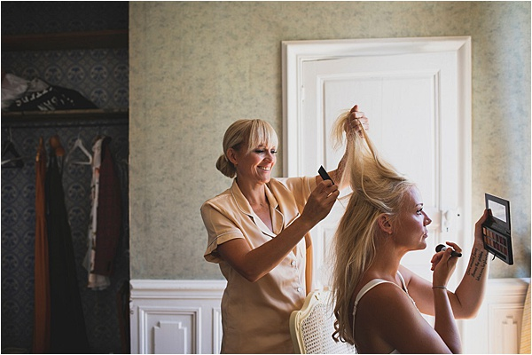 Making the perfect wedding hairstyle