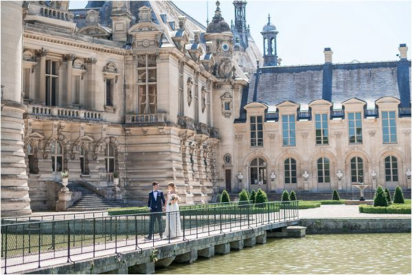 Romantic Elopement at Chateau de Chantilly in France | Image by Cedric Klein