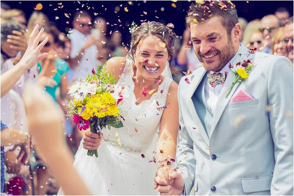 confetti wedding image | Photography by Wedding Fusion Imagery