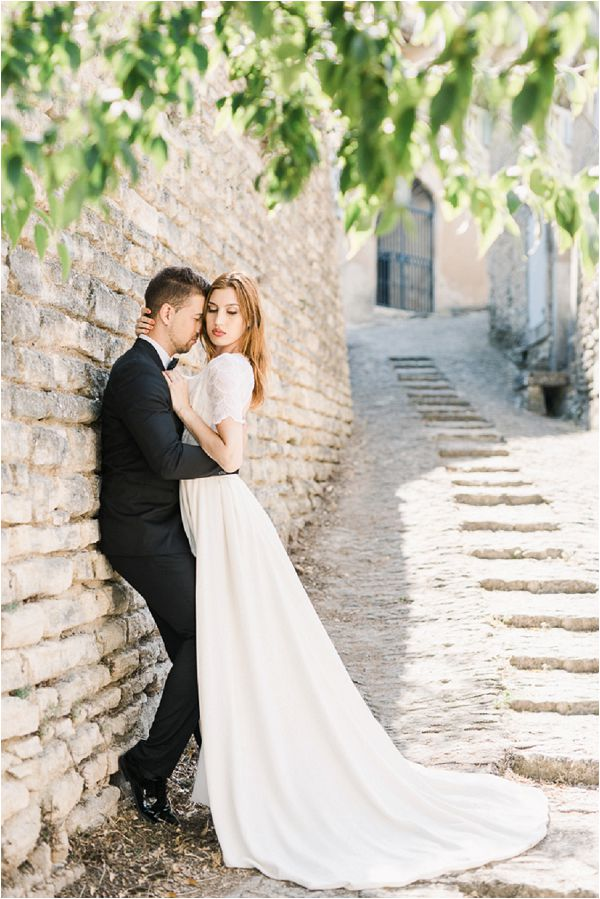 dreamy elopement in Provence Images by Jeremie Hkb