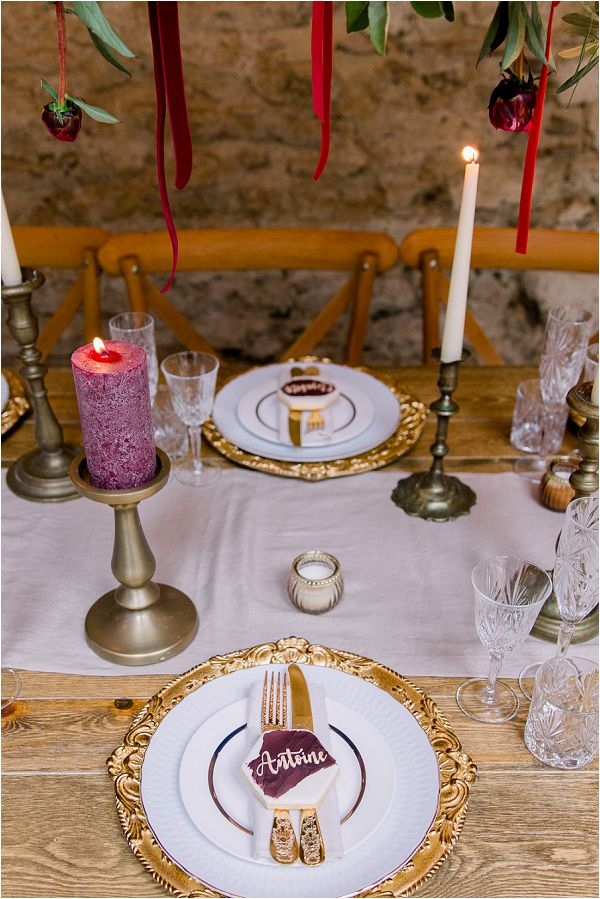gold and purple wedding table settings Image by Daria Lorman Photography