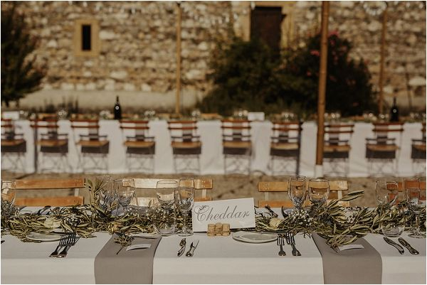 rustic wedding table styling | Images by Danelle Bohane