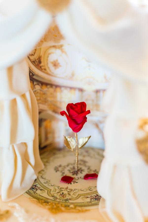 Rose Detail in Wedding Cake