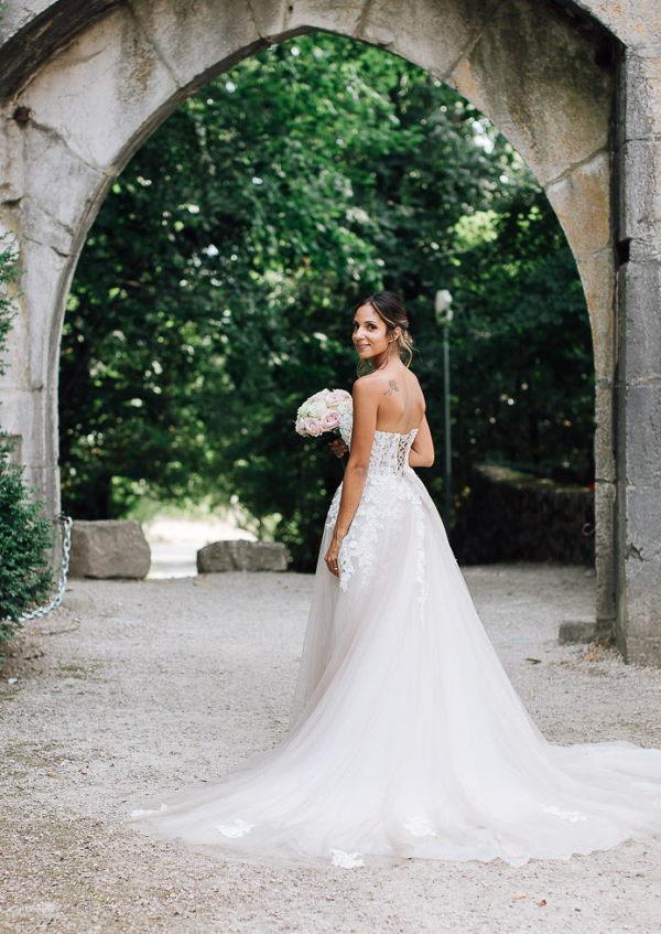 bride outside chartreuse de pomier