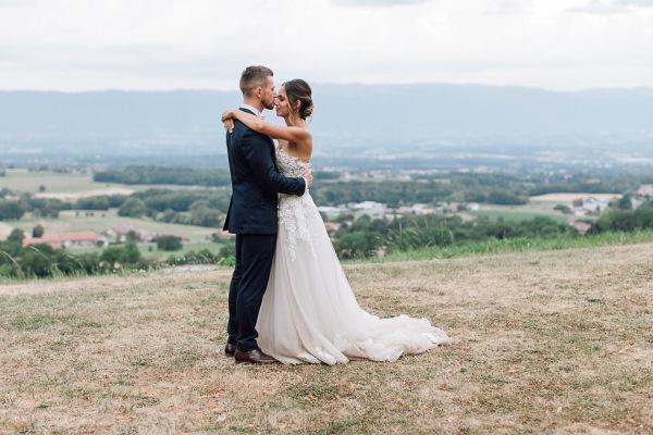 couples shoot at chartreuse de pomier