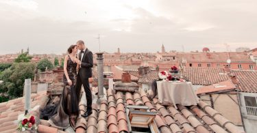 Eléna Fleutiaux Photography Couple on Rooftop