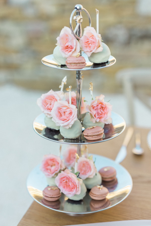 Pastel mini wedding pastries and macarons