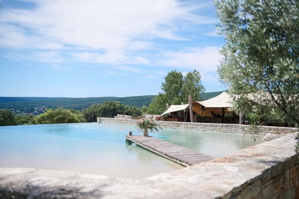 Infinity pool overlooking Cèze valley in Provence