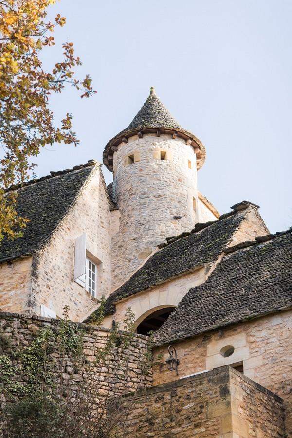 exterior of Château la Carrière