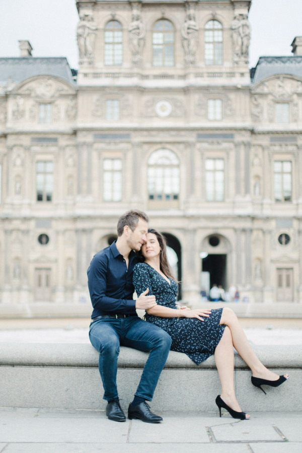 Marine & Guillaume Louvre Palace Engagement Picture 7