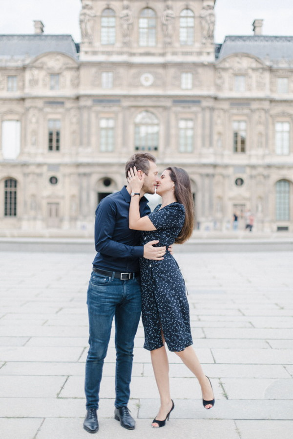 Marine & Guillaume Louvre Palace Engagement Picture 9