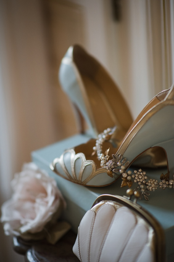 1920s art deco bridal shoes with gold scalloping