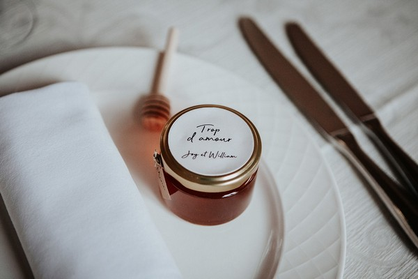 wedding favour of honey and a honey dripper