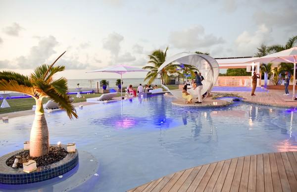 Villa c'est la vie in St Maarten for elopement wedding
