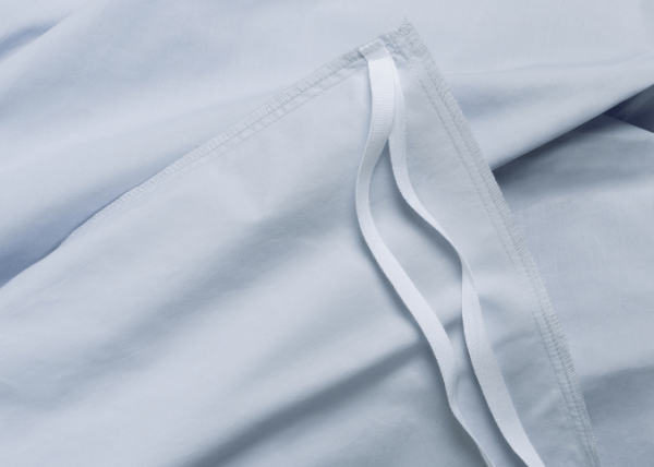 Cover ties (blue percale sheet)